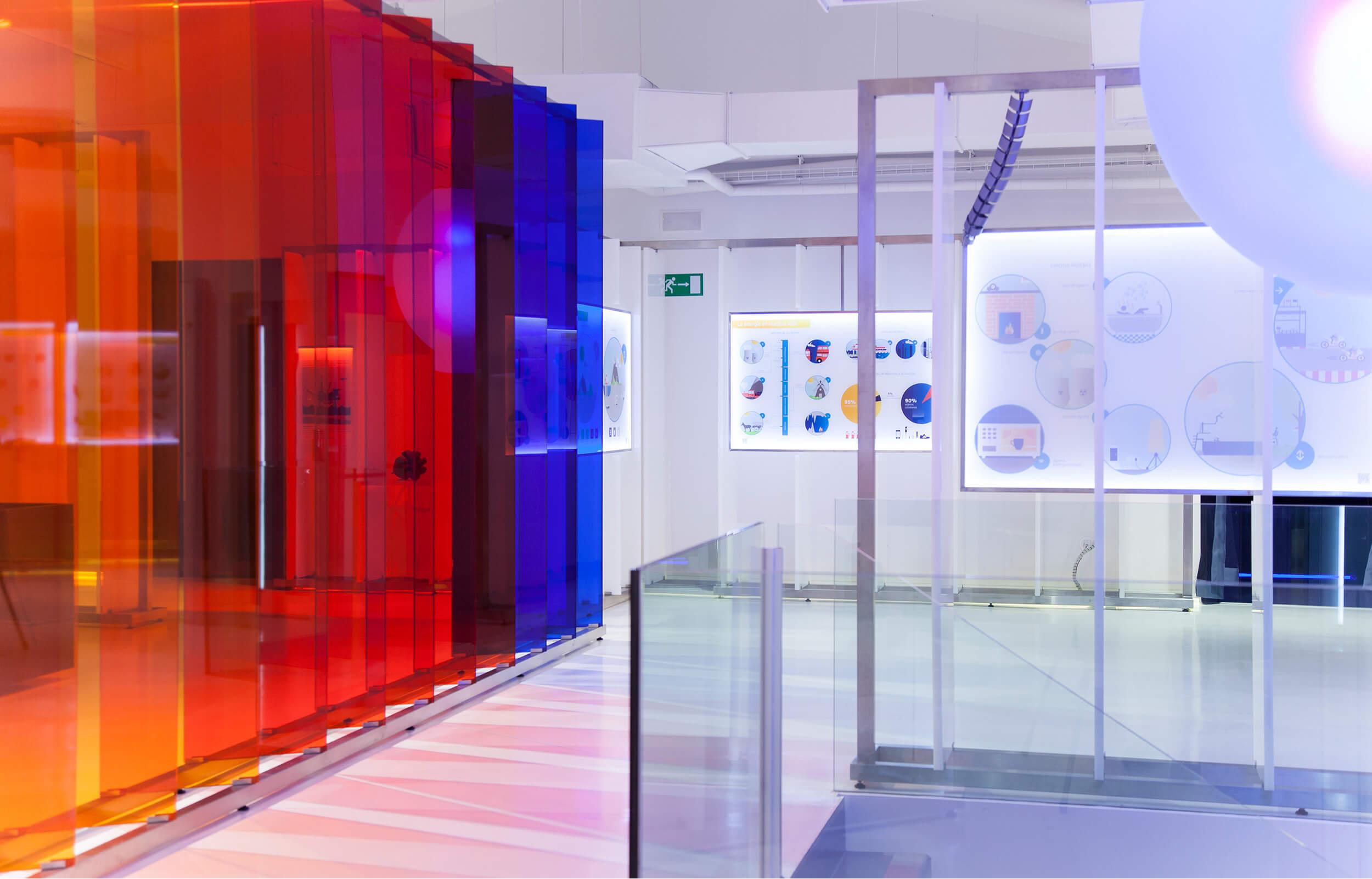 Diseño de los paneles del Centro de Visitantes de Repsol en Cartagena.