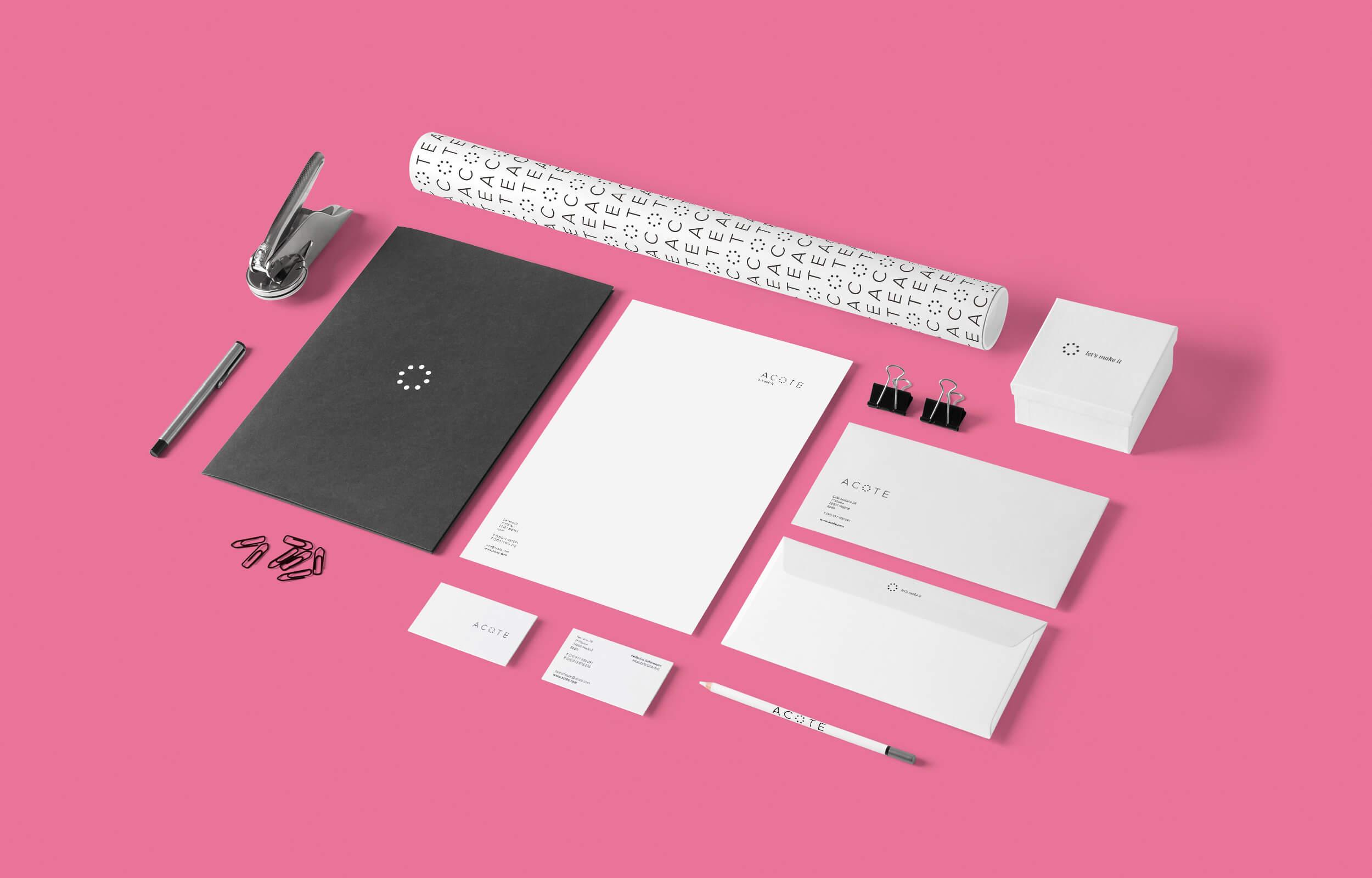 Diseño de papelería y otras piezas de comunicación para el estudio de arquitectura con sede en Madrid y México Acote